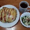 ごまいっぱいオムソバと胡瓜サラダ
