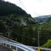 高野町富貴集落から丹生川渓谷沿いに走る