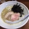 富山県富山市「DOGHOUSE」で鶏白湯煮干しラーメン