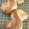 セモリナ粉で作るパン