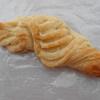 明石市松が丘のピーコックストアのパン屋の「りんご飴クロワッサン」と「明太子フランス」を食べた感想