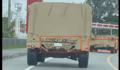 米軍は基地の外で自動車教習も !? 認識ナンバープレートもなく、国道を車列をなして宜野座の町中を走行する米軍車両
