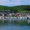 盛夏の五能線撮影(10):陸奥沢辺~陸奥岩崎,岩崎漁港とキハ40。
