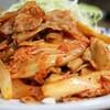豚キムチのカロリーは?バランスよく食べる為の食材や献立は?玉ねぎ、キャベツ、もやしなど。