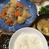 しらたきたっぷり肉じゃが・ムネ鶏肉の甘酢煮・『味仙 青菜炒めの素』のほうれん草炒め物