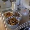 幸運な病のレシピ( 1266 )朝 :豚生ロース姜焼き、バラスライスと茄子の紫蘇味噌炒め(セロリ、人参)、シシャモ、味噌汁(ヒラタケ半額品)