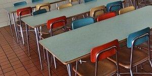 教師たちは、給食の強要は虐待であり拷問にもなり得ることを自覚せよ(有罪判決の例も)