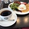 銀座のレトロ喫茶でランチタイム