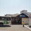 御殿場線山北駅で桜並木を楽しむ