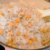 【1食25円】ひよこ豆もち麦ご飯の自炊レシピ