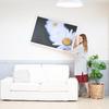 壁掛けアートフレームで大人のかっこよさ漂うクールな部屋をおしゃれにする次世代アートボード。写真や絵画を飾ってインテリアコーディネイトができるアートパネル。