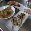 幸運な病のレシピ( 1865 ) 朝:鮭、ハタハタ、鳥手羽、セロリ・ブロッコリー・マイタケ・豚肩ロース焼き、味噌汁