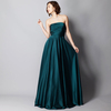 スレンダーなスタイルのグリーンの衣装xy083b