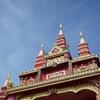 ラオス・ビエンチャンで、ぷらぷらと寄り道。幸運を願ってくださったところは「ワット・シームアン」というお寺でした。