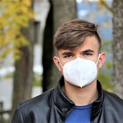 コロナ禍での話し方 その3—―マスク着用時の息苦しさ【通訳者と声】