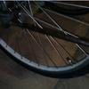 通勤用のクロスバイクがパンクしたので、父が直した