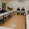 25日、阿賀川河川事務所で只見川滝ダム操作改善内容の説明を受け、住民の安全優先を求めました。