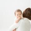 『毎日の抱っこで腰痛が…子育て腰痛の原因とその予防法とは?』