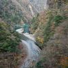 静岡県寸又峡 夢の吊り橋を渡る。紅葉と青い湖。