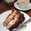 ハーブスにて、レーズンたっぷりのチョコレートカスタードケーキ