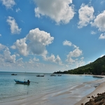 「チャロックラム ビーチ(Chalok Lam Beach)」~パンガン島の北端の白砂ビーチへまずはトンサラからソウテウにて!!