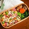 ちらし寿司のツレ弁、鴨ネギ蕎麦のお昼。