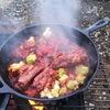 キャンプ飯って感じスペアリブのトマト煮