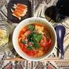 真っ赤なスープで身体ポカポカ/豚バラトマトのイタリアンうどん