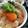 イトウとヒラメの漬け丼(ドライブイン汐風 青森県西津軽郡鰺ヶ沢町)