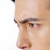男はいちご鼻になりやすい?目立つ鼻の毛穴や黒ずみの原因と解消法