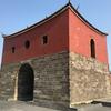 跳ね上がる燕尾が美しい台北府城の城門「北門」