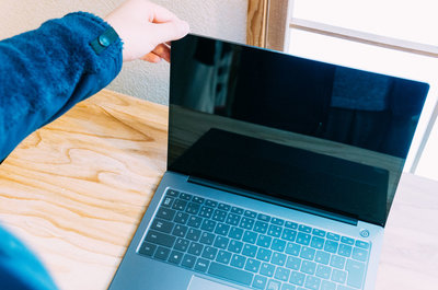 Huawei MateBook14に買い替えた!コスパいいしMacBook的高品質です。