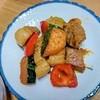 【野菜が摂れる】塩麴で塩豚のバターレモン炒めの作り方。