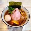 【中華そば 四つ葉@川島町】埼玉を代表する人気ラーメン店。あっさりコク旨スープが癖になる一杯【特製四つ葉そば】