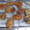 幸運な病のレシピ( 1429 )朝 :鳥カツ、塩サバフライ、モヤシ炒め、ホッケ醤油漬け干し、ウインナー、味噌汁、「後片付けを科学する」まな板立てはたくさんあるに越したことはない。