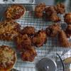 幸運な病のレシピ( 1680 )昼:鶏唐揚(ピザソース風味)、手のひらピザ(モランボンの生地)