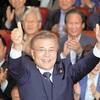 韓国大統領に文氏…慰安婦合意、再交渉を主張