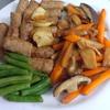 幸運な病のレシピ( 1360 )朝:ウインナソテー(インゲン、エリンギ、人参、ニンニク)、鮭、イワシ、味噌汁(キャベツ)、「後片付けを科学する」