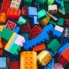 古いプラスチック製おもちゃに、鉛やカドミウムが含まれている危険