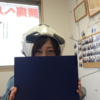 岩手県滝沢市のきれいなお姉さんにサッカーボールの帽子をかぶってもらいました。