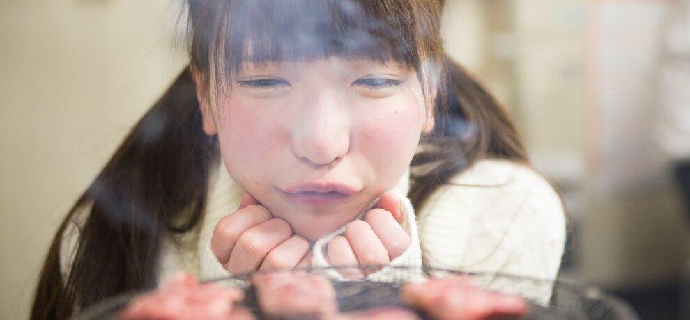 厳寒の地・北海道北見で爆食い!大食いアイドル・もえのあずきと3kgの肉を食べ尽くす