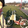 自転車で花配り