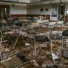 森に佇む学生寮の廃墟:Abandoned Girls Dormitory