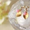 オリエンタルで個性的な桜の花びらピアスで、もう春が待ち遠しい!