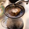 中年期女性必見!! 緑茶やコーヒーを飲むと、体脂肪Iが減少して血管年齢が若くなる!?