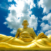 巨大黄金僧「ルアン ポー トゥアッド ブッダパーク」(Luang Por Thuad Buddha Park)