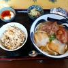 宮古島でとろとろ軟骨ソーキそばを食べるなら「んまや~」