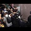 8月31日香港市内「太子駅」で大勢の警察に暴行を受け、頭から血を流す若者も‼️