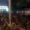 シェア自転車は便利だけど、上海のとある駅前ではカオス状態に。。。