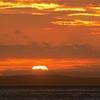 関門海峡で日の出... から